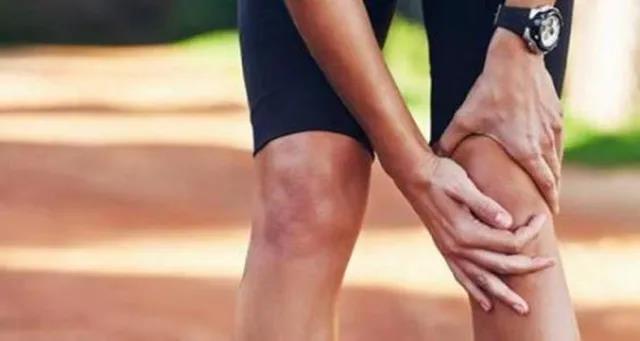 凡是得癌的人都是小腿经络不畅通,三伏天腿部艾灸好处多!